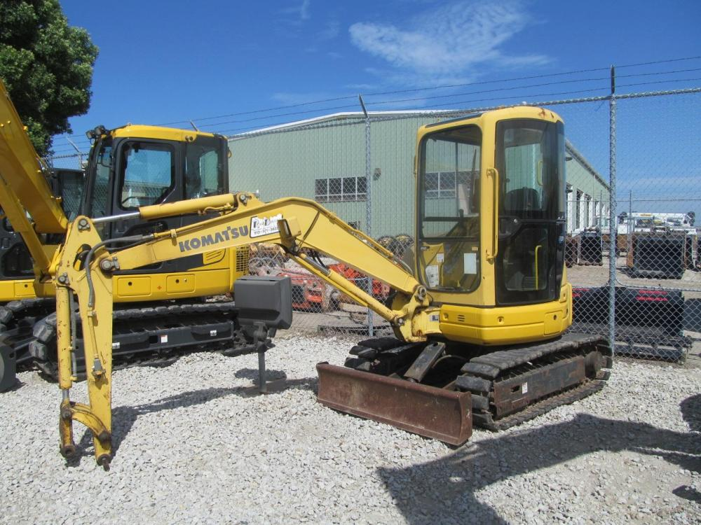 Detail photo of 2000 Komatsu PC30MR-1 from Construction Equipment Guide