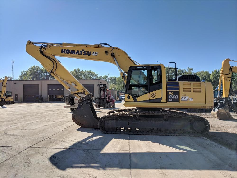Detail photo of 2015 Komatsu PC240LC-10 from Construction Equipment Guide