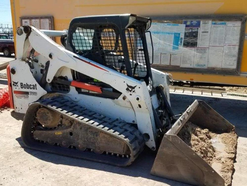 Detail photo of 2012 Bobcat T650 from Construction Equipment Guide