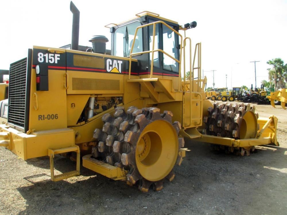 Detail photo of 2003 Caterpillar 815F from Construction Equipment Guide