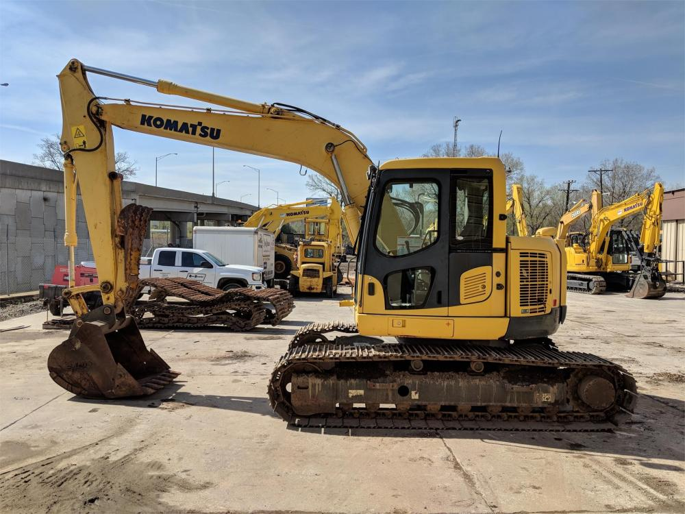 Detail photo of 2010 Komatsu PC138USLC-8 from Construction Equipment Guide