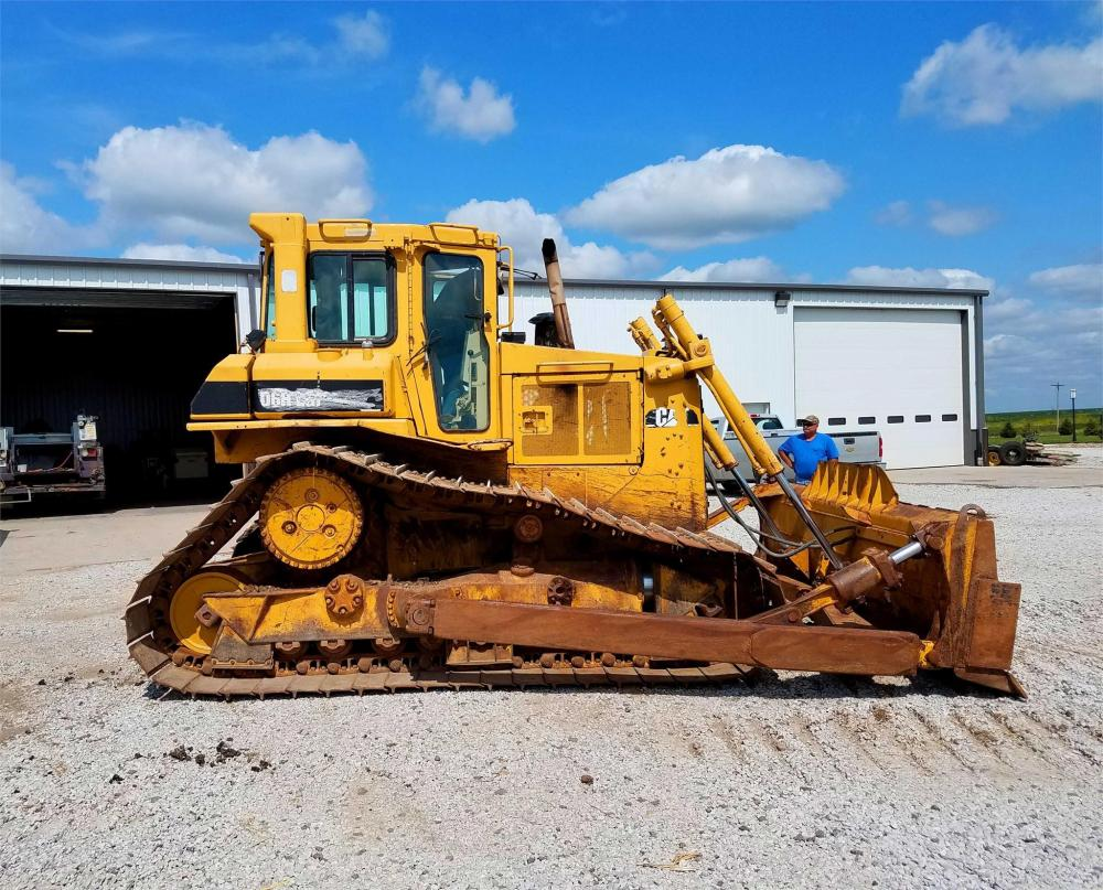 Detail photo of 1995 Caterpillar D6H LGP from Construction Equipment Guide