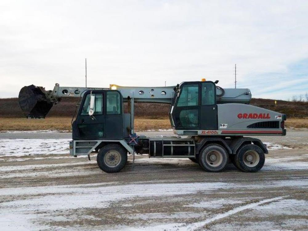 Detail photo of 2004 Gradall XL 4100 II from Construction Equipment Guide