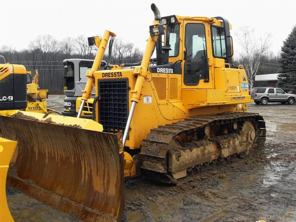 Detail photo of 2009 Dressta TD15M from Construction Equipment Guide