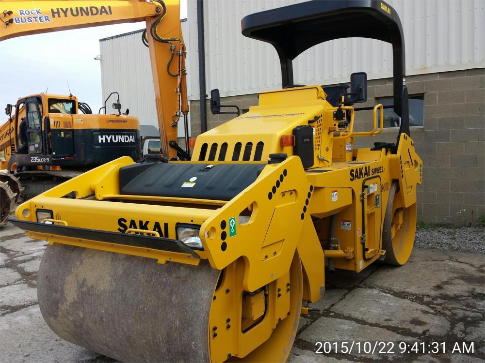 Detail photo of 2015 Sakai SW652 from Construction Equipment Guide
