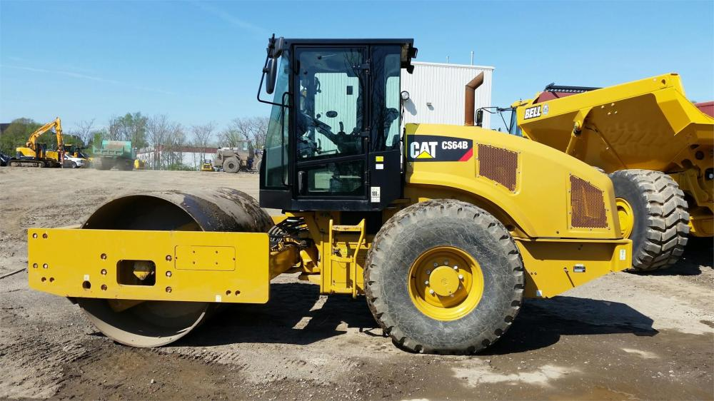 Detail photo of 2014 Caterpillar CS64B from Construction Equipment Guide