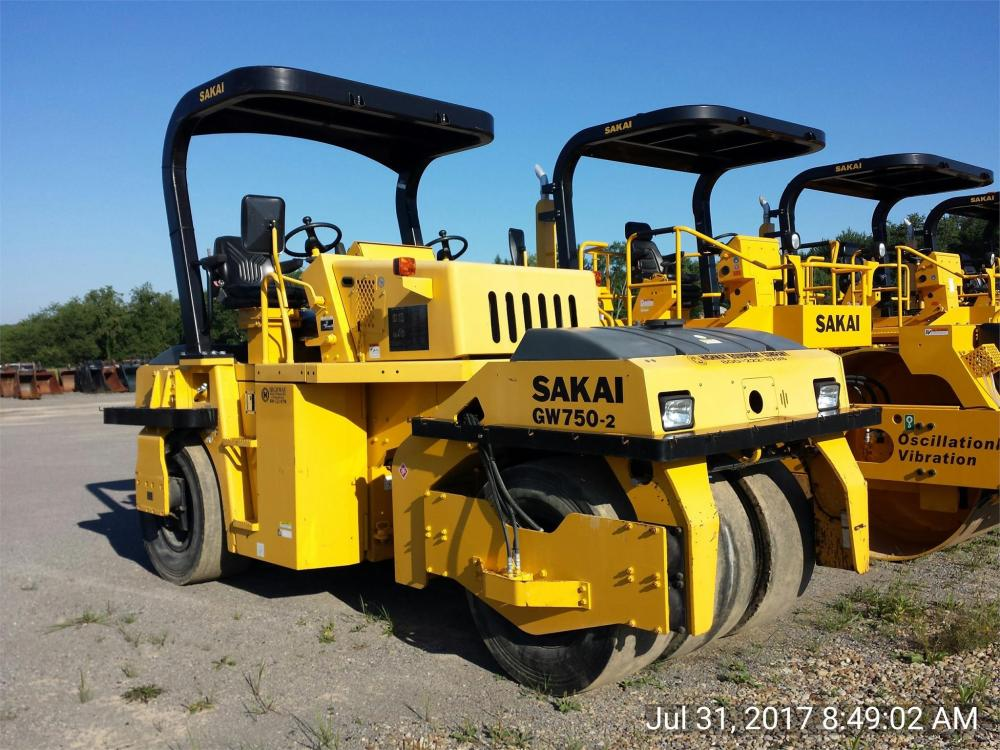 Detail photo of 2014 Sakai GW750 II from Construction Equipment Guide