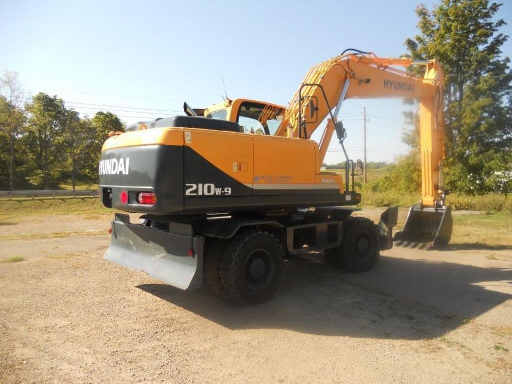 Detail photo of 2012 Hyundai ROBEX 210W-9 from Construction Equipment Guide