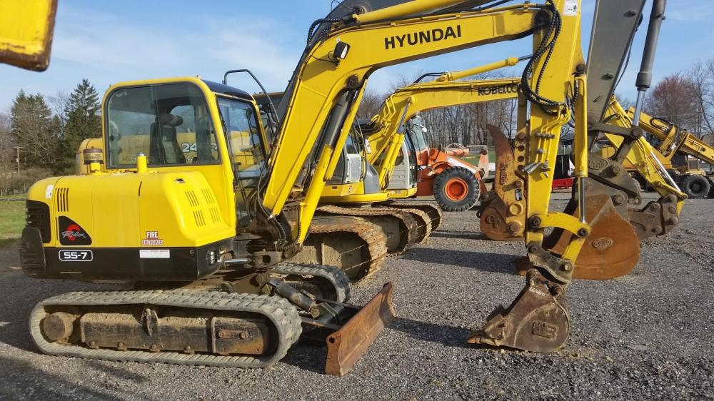 Detail photo of 2005 Hyundai ROBEX 55-7 from Construction Equipment Guide