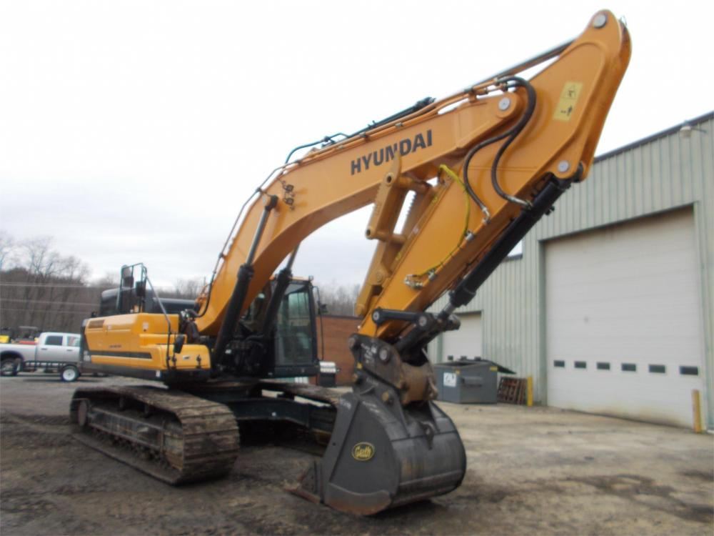 Detail photo of 2016 Hyundai HX480L from Construction Equipment Guide