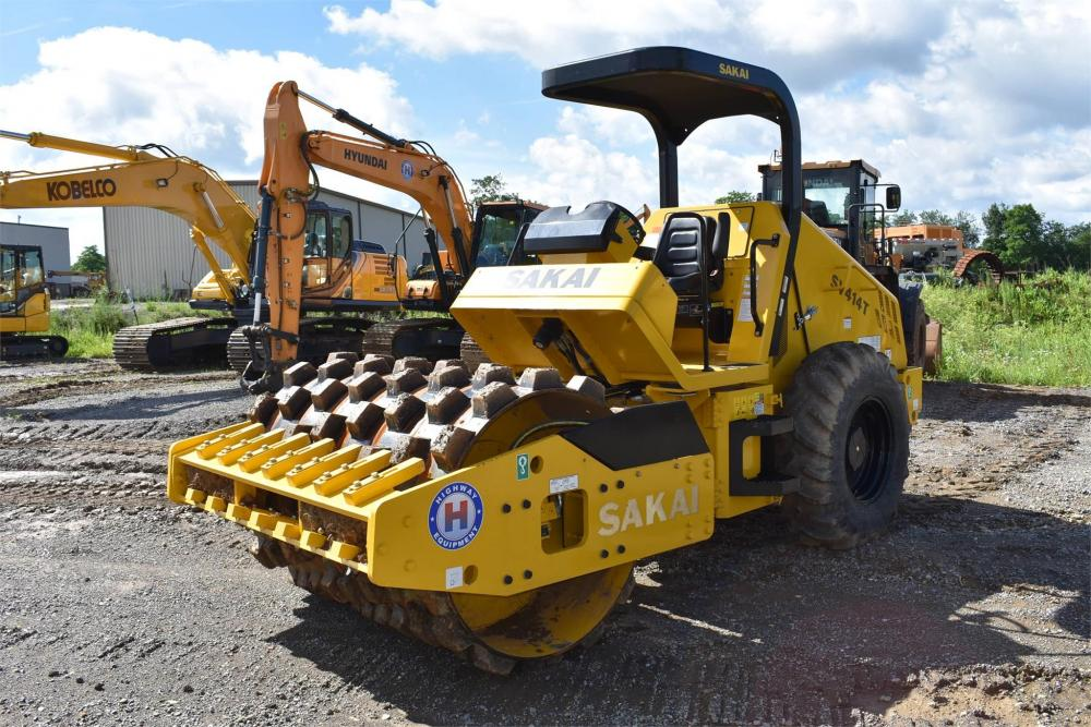 Detail photo of 2019 Sakai SV414T from Construction Equipment Guide