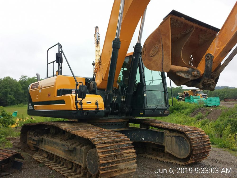 Detail photo of 2018 Hyundai HX300L from Construction Equipment Guide