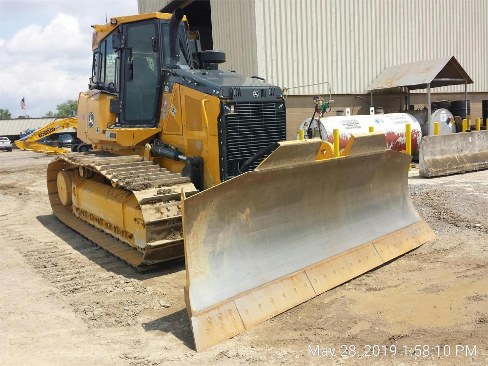 Detail photo of 2019 John Deere 850K from Construction Equipment Guide