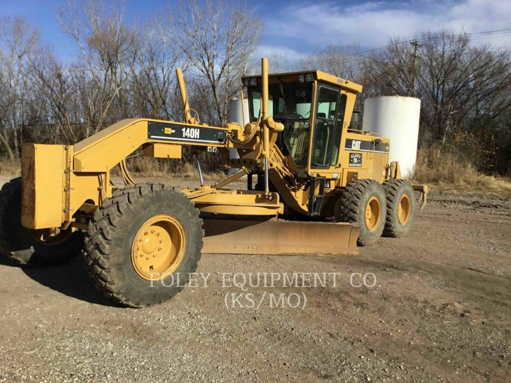 Detail photo of 1999 Caterpillar 140H from Construction Equipment Guide