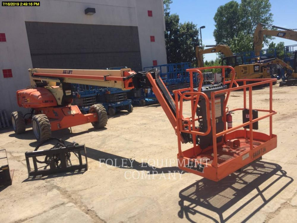 Detail photo of 2012 JLG E600JP from Construction Equipment Guide