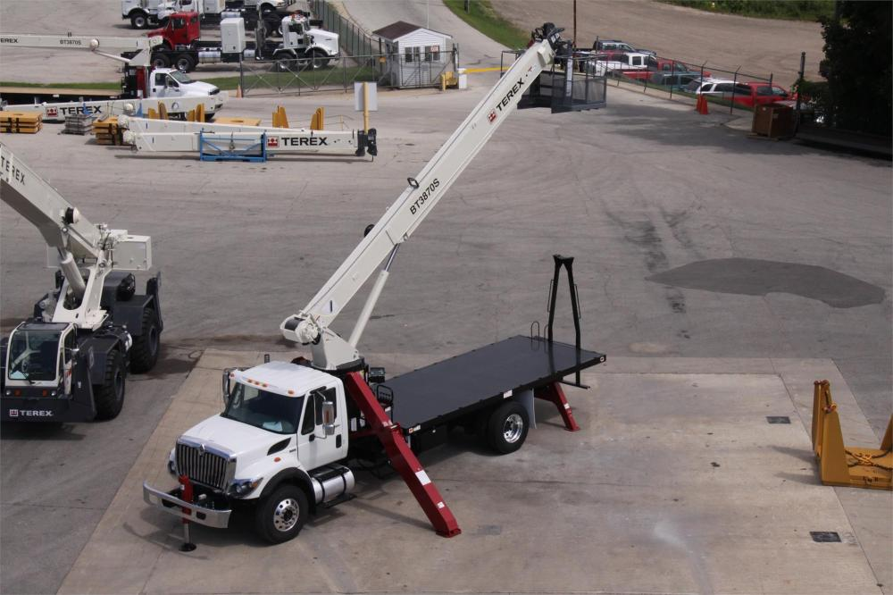 Detail photo of 2018 Terex BT3870 from Construction Equipment Guide