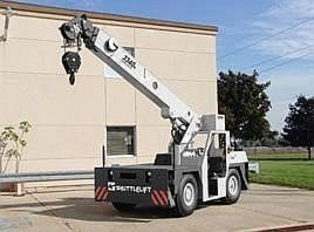 Detail photo of 2019 Shuttlelift 3340B from Construction Equipment Guide