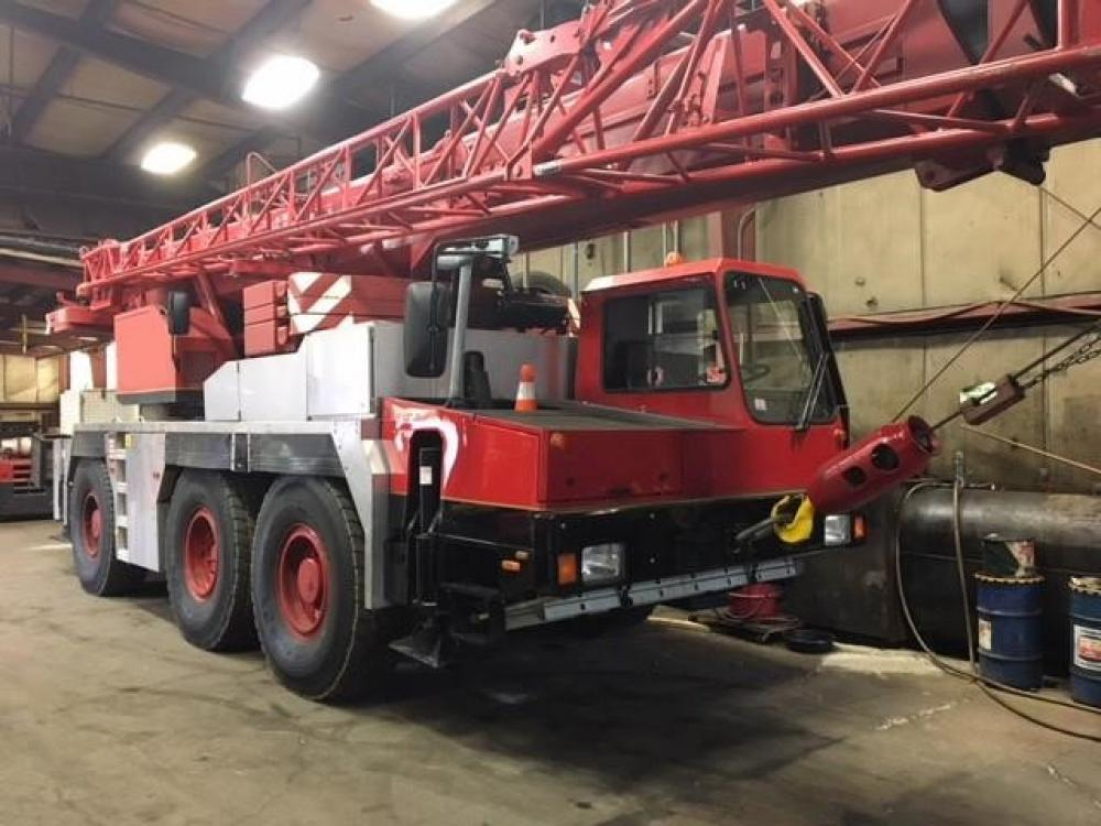 Detail photo of 2000 Liebherr LTM 1050 from Construction Equipment Guide