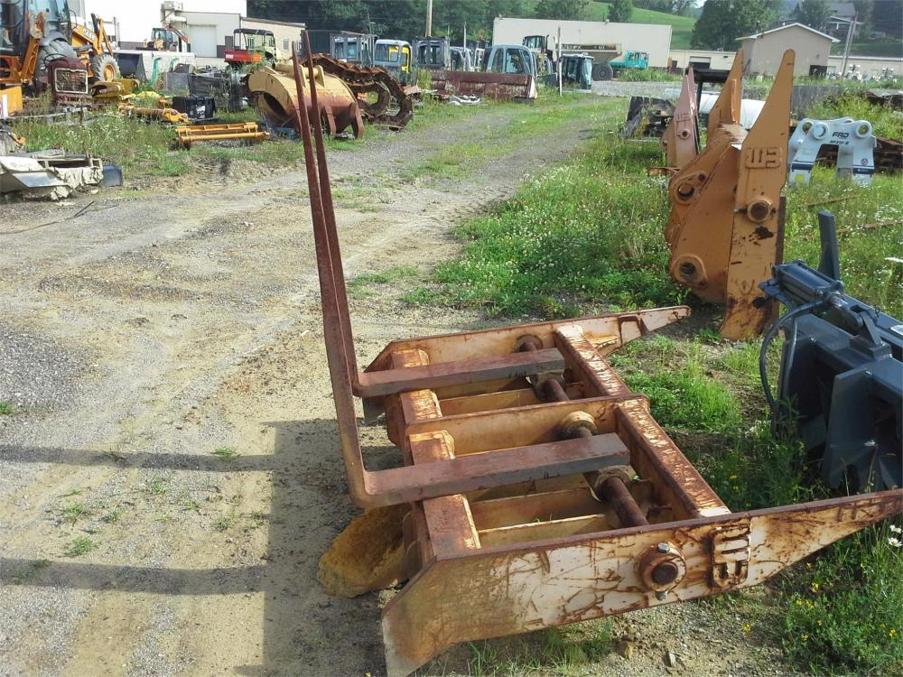 Detail photo of 2004 Werk-Brau WBCF1048 from Construction Equipment Guide
