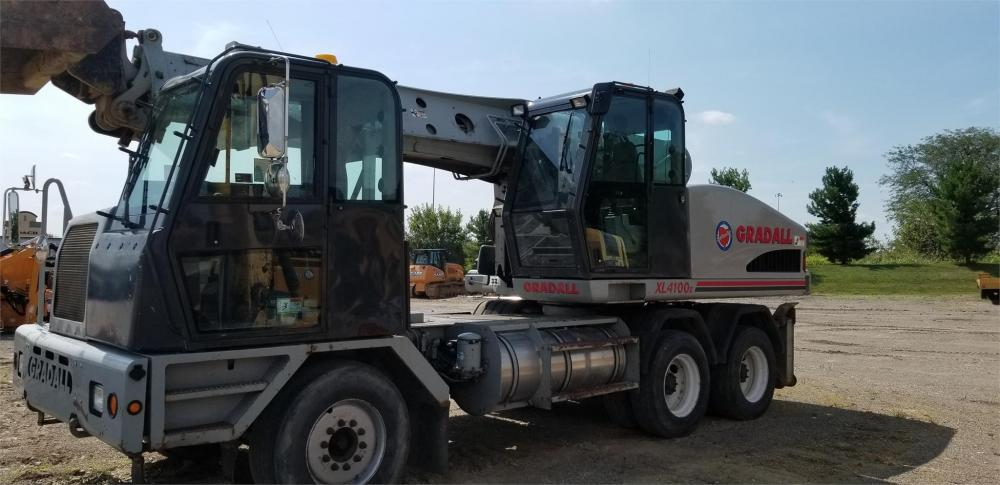 Detail photo of 2005 Gradall XL 4100 from Construction Equipment Guide