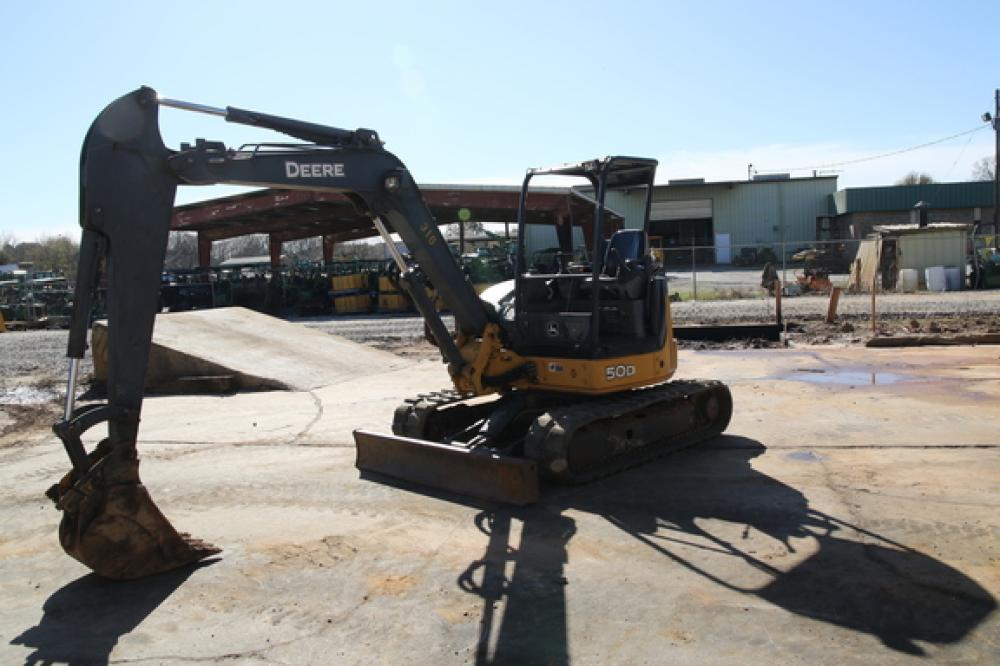 Detail photo of 2009 John Deere 50D from Construction Equipment Guide