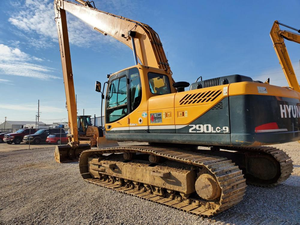 Detail photo of 2011 Hyundai ROBEX 290 LC-9 from Construction Equipment Guide
