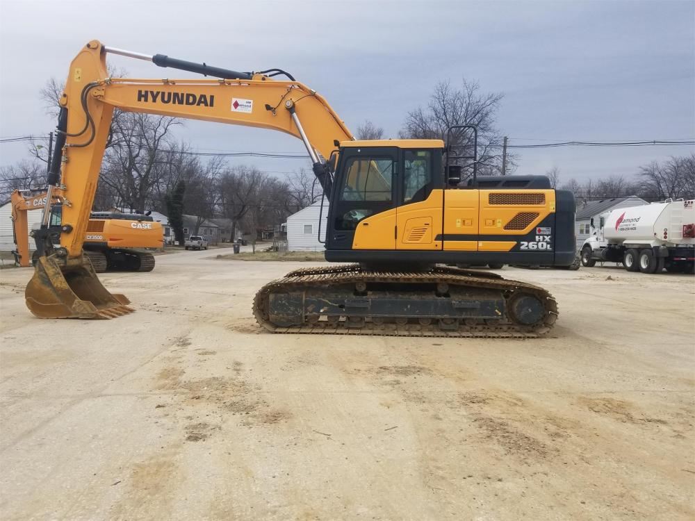 Detail photo of 2016 Hyundai HX260L from Construction Equipment Guide