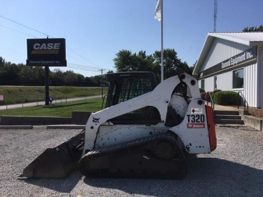 Detail photo of 2010 Bobcat T320 from Construction Equipment Guide