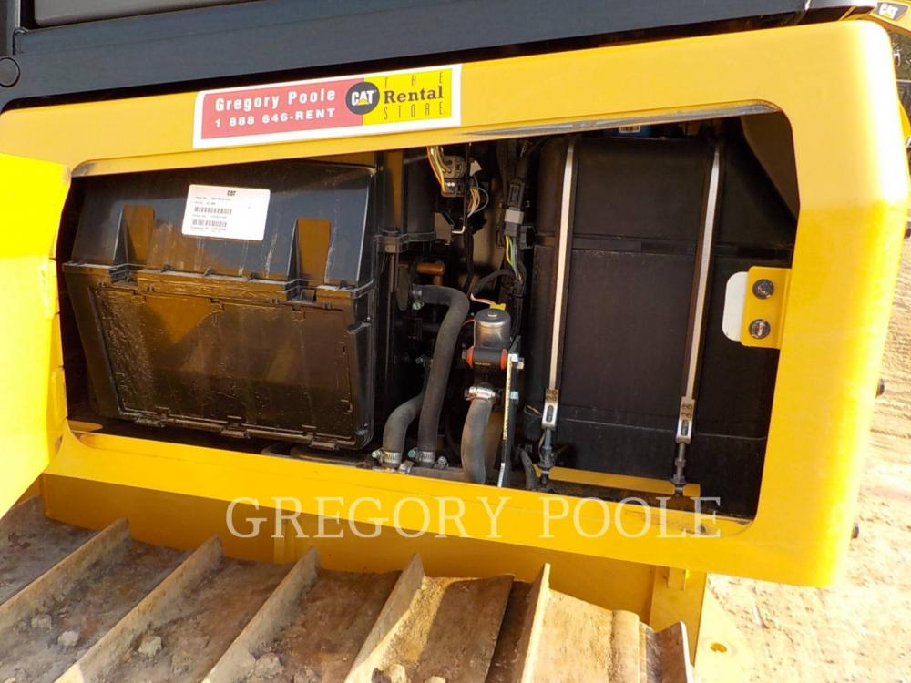 Detail photo of 2016 Caterpillar D5K LGP II from Construction Equipment Guide