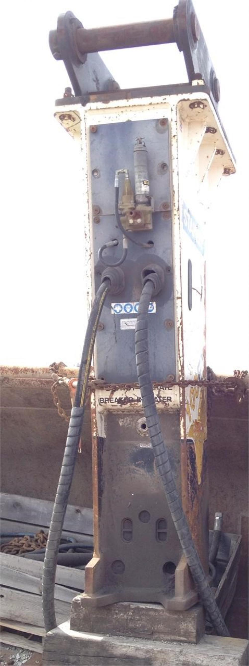 Detail photo of 2006 Stanley MB100EXS from Construction Equipment Guide