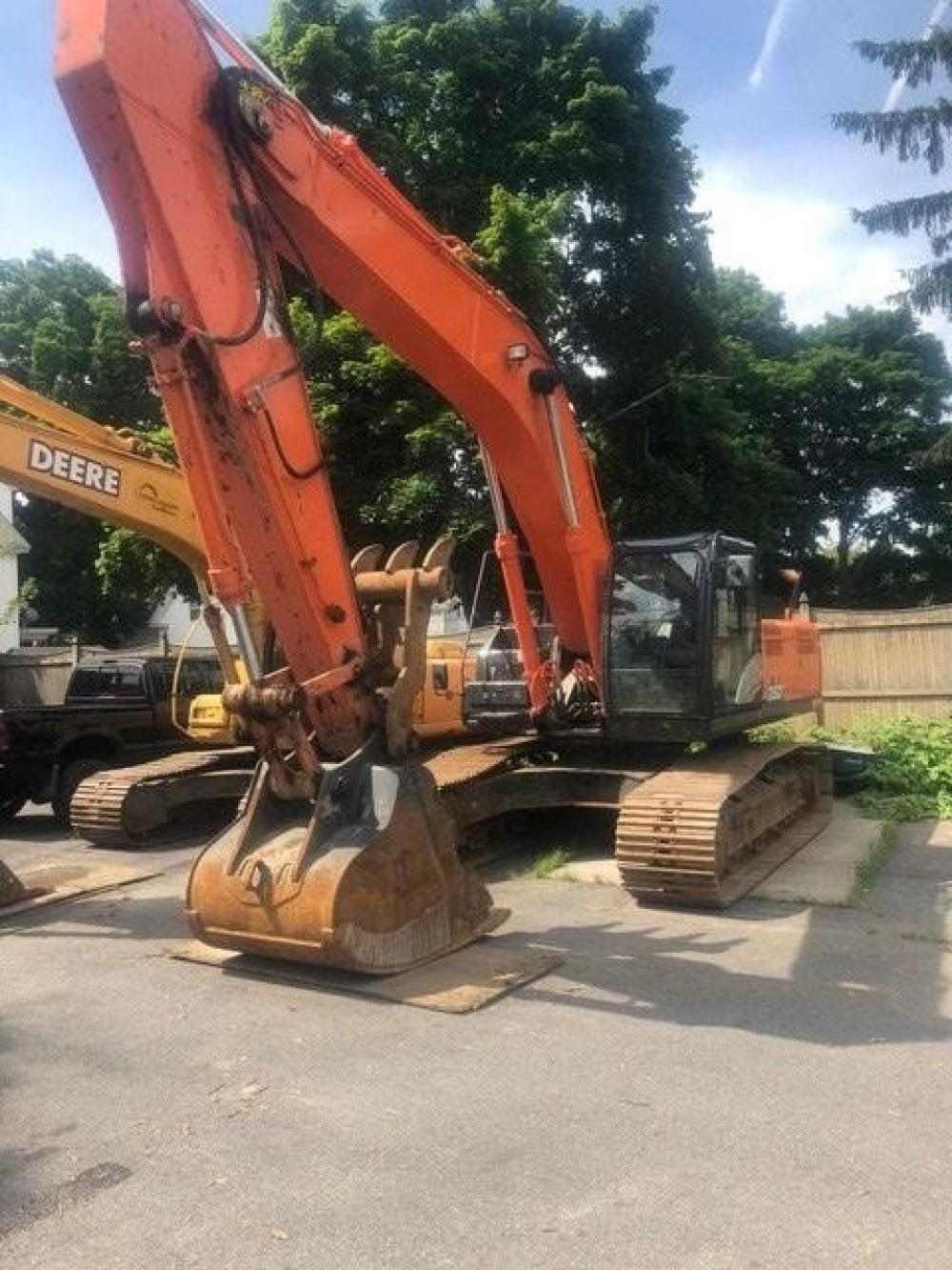 Detail photo of 2015 Hitachi ZX350LC-5 from Construction Equipment Guide