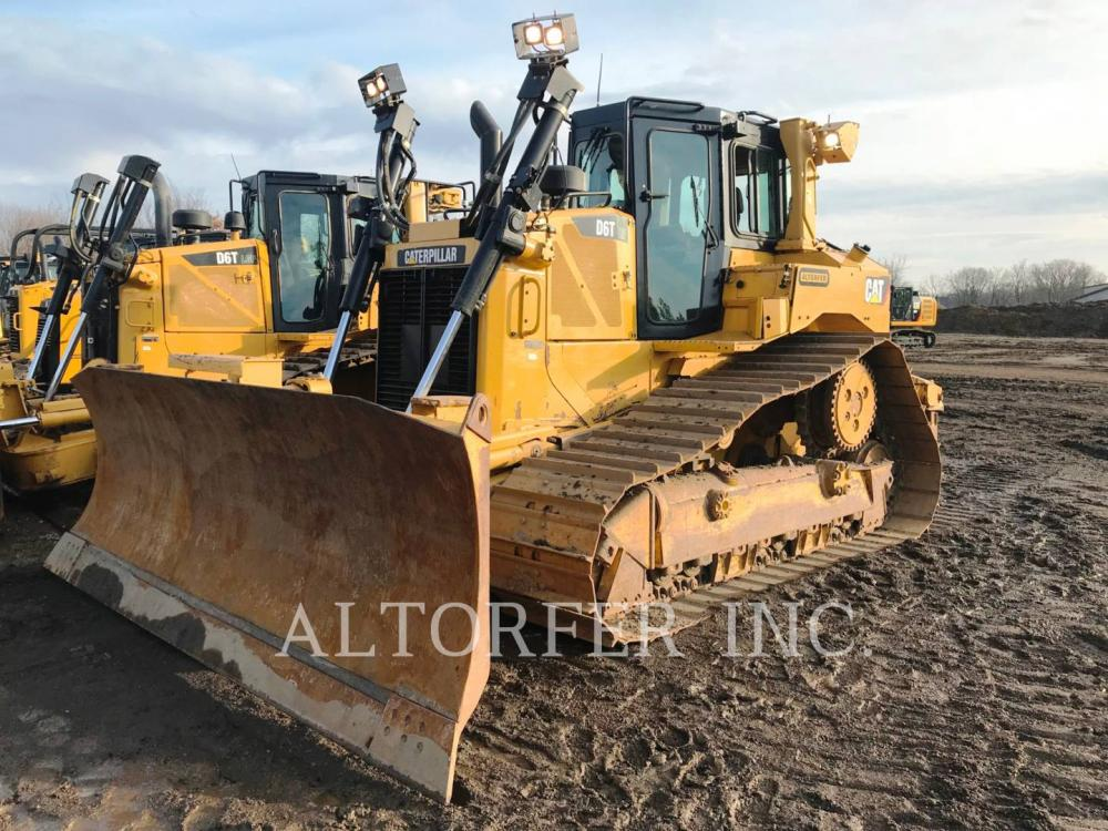 Detail photo of 2013 Caterpillar D6T from Construction Equipment Guide