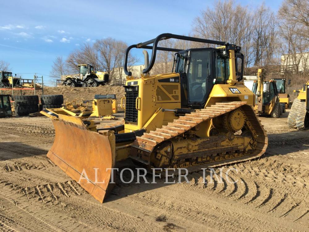 Detail photo of 2015 Caterpillar D6N LGP from Construction Equipment Guide