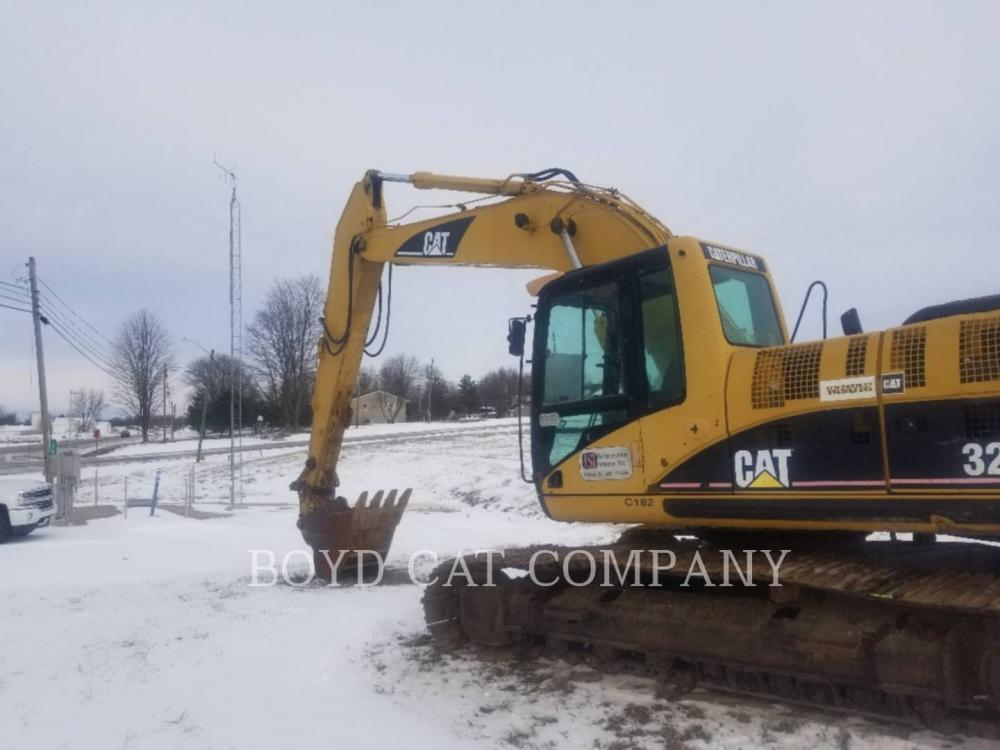 Detail photo of 2004 Caterpillar 322CL from Construction Equipment Guide