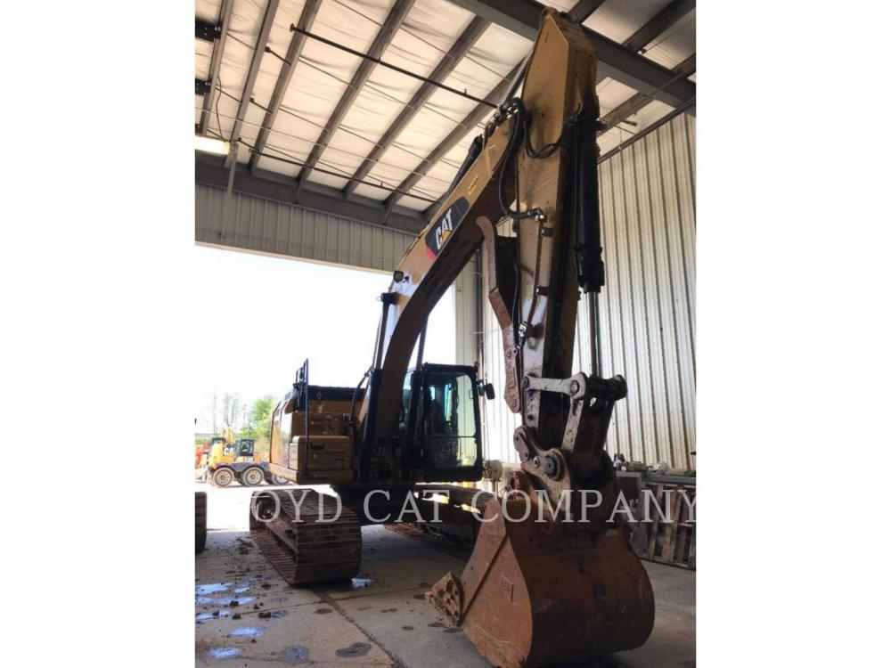 Detail photo of 2015 Caterpillar 326FL from Construction Equipment Guide