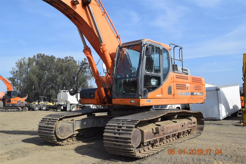 Detail photo of 2013 Doosan DX350LC from Construction Equipment Guide