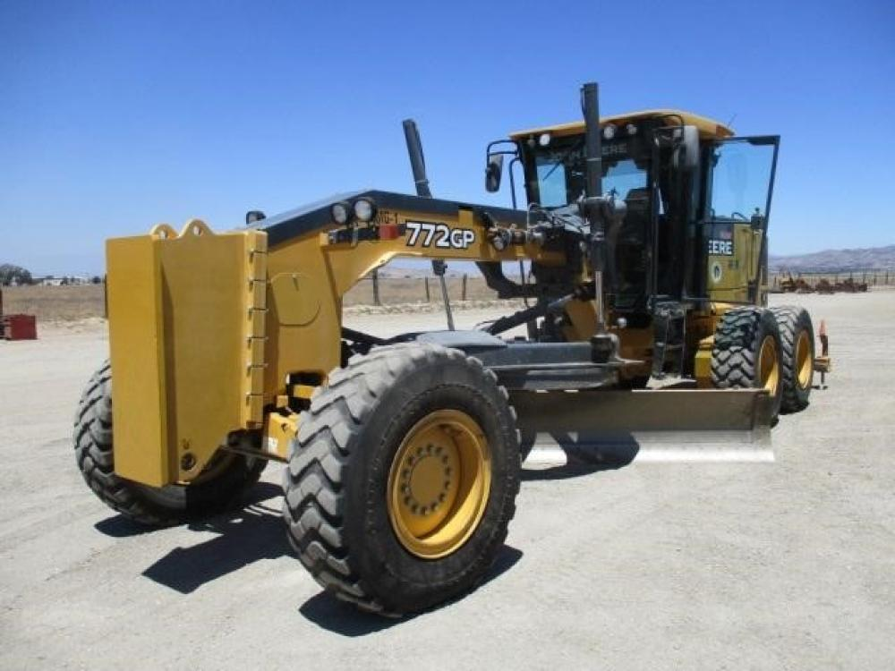 Detail photo of 2011 John Deere 772GP from Construction Equipment Guide