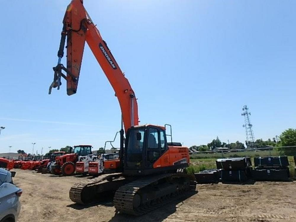 Detail photo of 2014 Doosan DX255LC from Construction Equipment Guide