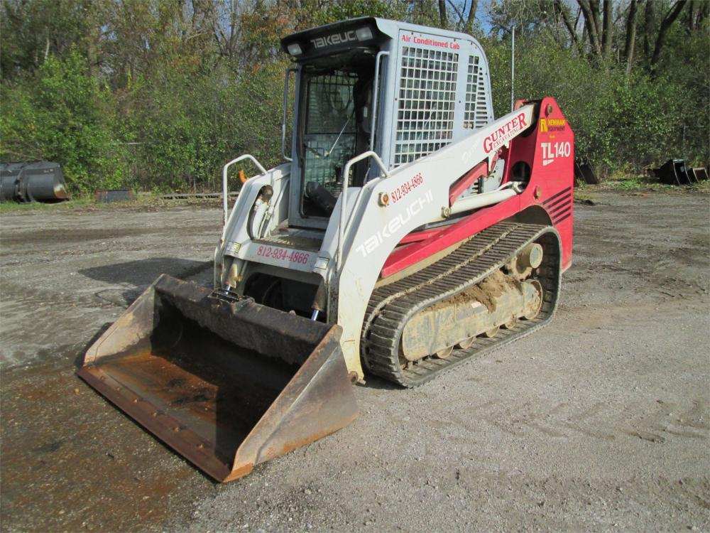 Detail photo of 2004 Takeuchi TL140 from Construction Equipment Guide