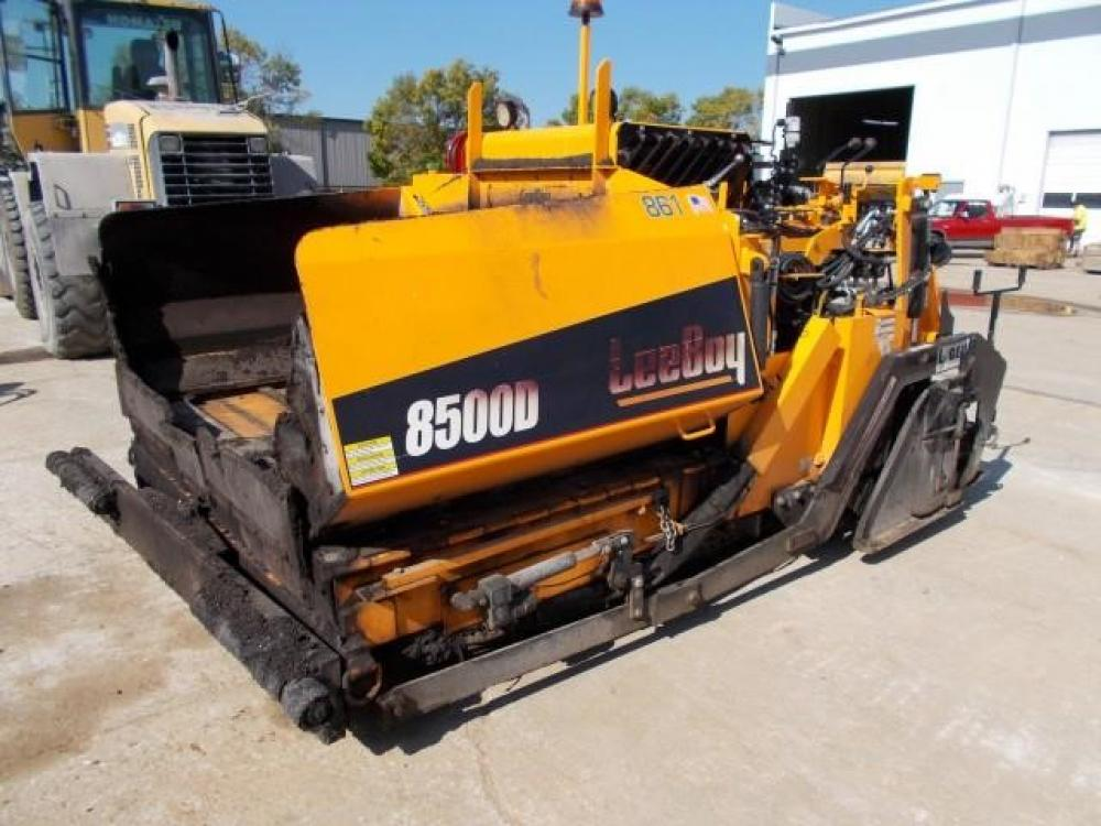 Detail photo of 2016 LeeBoy 8500 LD from Construction Equipment Guide