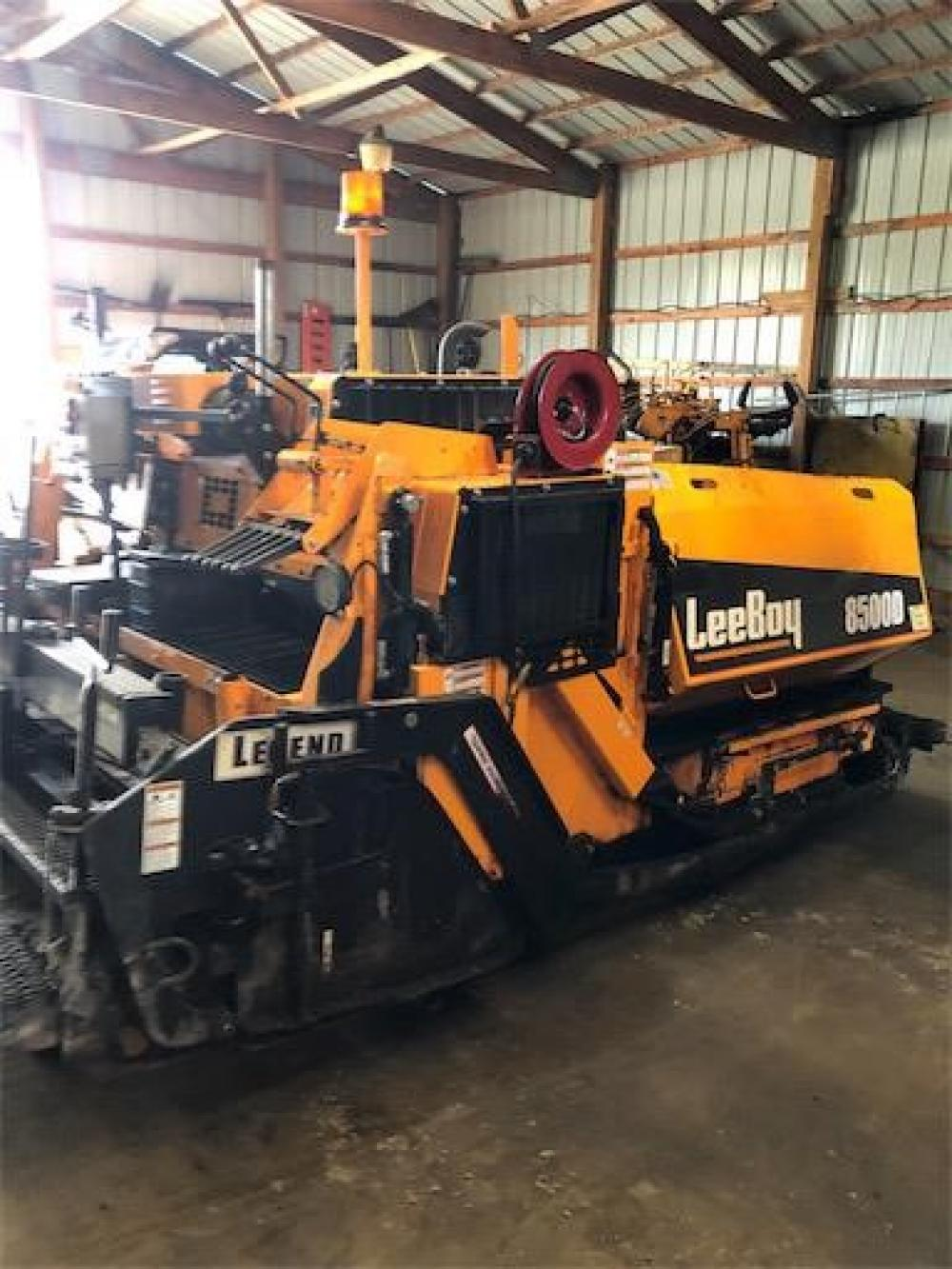 Detail photo of 2019 LeeBoy 8500D from Construction Equipment Guide