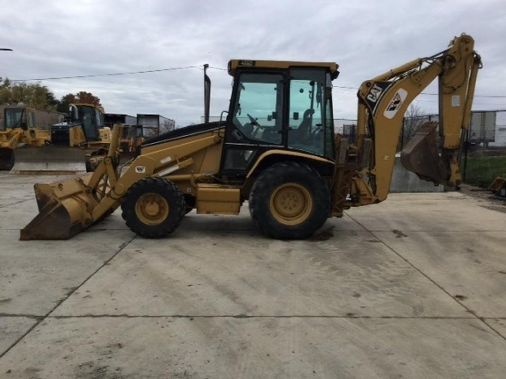 Detail photo of 2001 Caterpillar 420D from Construction Equipment Guide