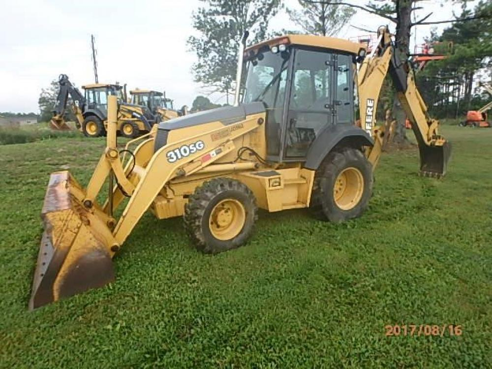 Detail photo of 2004 John Deere 310SG from Construction Equipment Guide