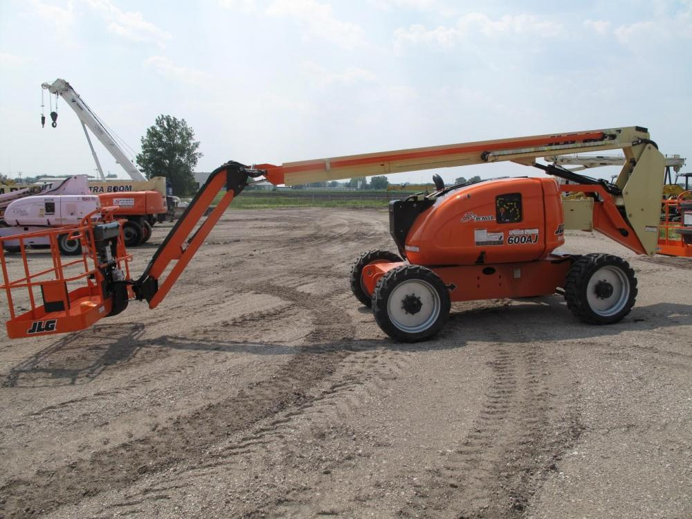 Detail photo of 2014 JLG 600AJ from Construction Equipment Guide