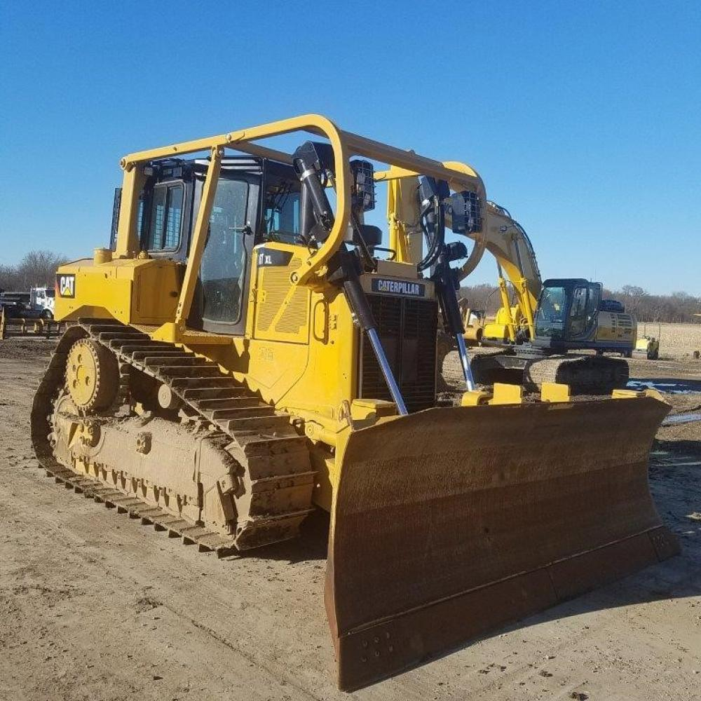 Detail photo of 2013 Caterpillar D6T XL from Construction Equipment Guide