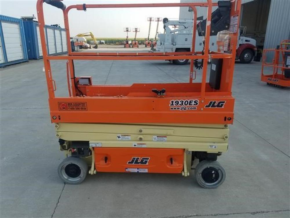Detail photo of 2017 JLG 1930 ES from Construction Equipment Guide