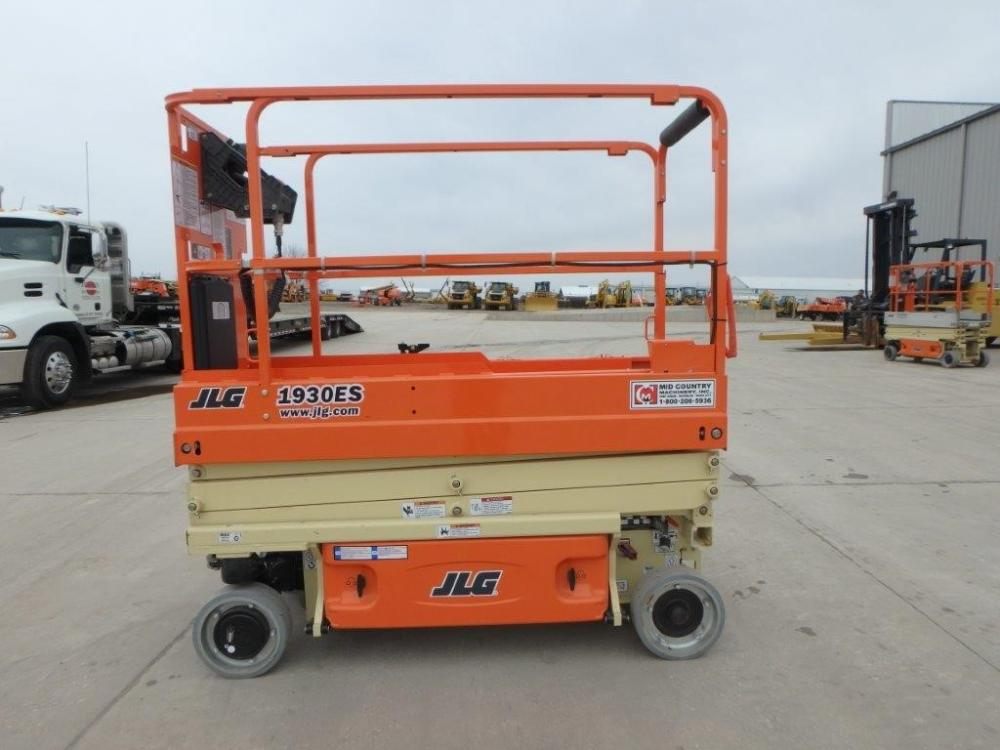 Detail photo of 2016 JLG 1930 ES from Construction Equipment Guide