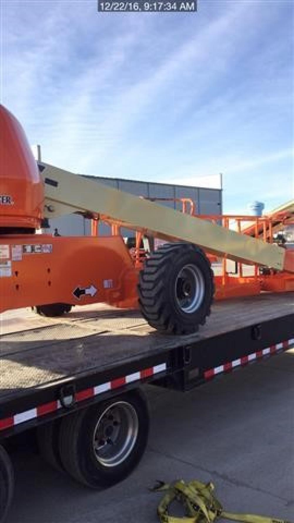 Detail photo of 2017 JLG 400S from Construction Equipment Guide