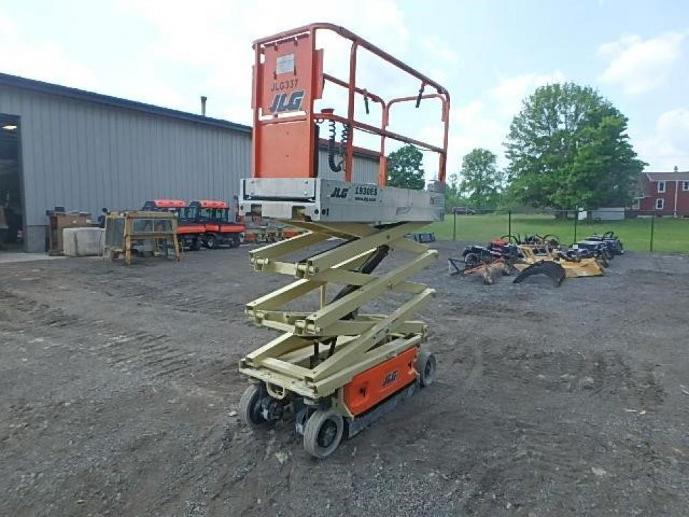 Detail photo of 2013 JLG 1930 ES from Construction Equipment Guide