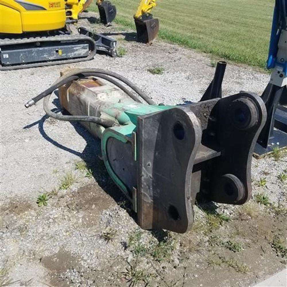 Detail photo of 2011 Tramac V46 from Construction Equipment Guide